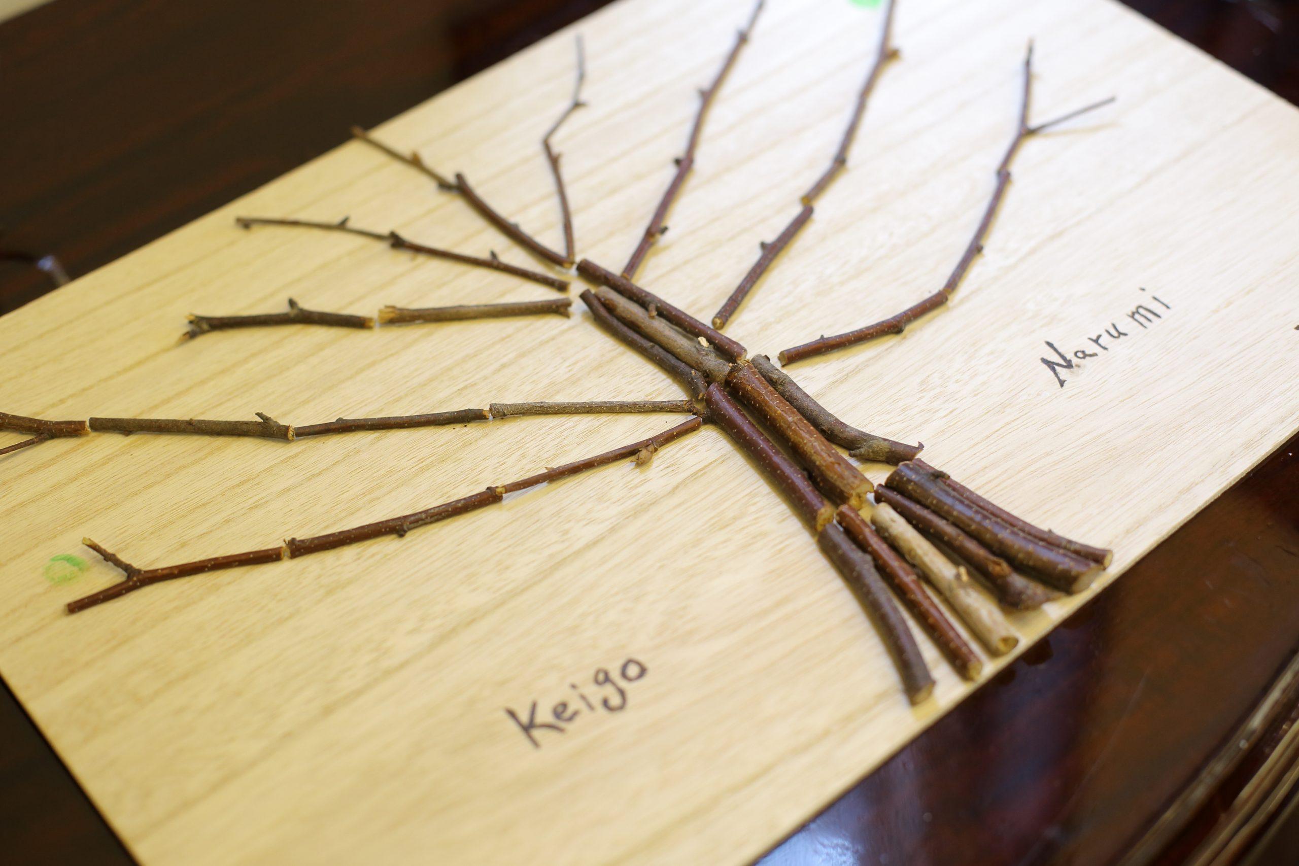 テーマである『木』を使ったうえでイングツリー。お2人の手作りです。